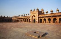 06 HARI GOLDEN TRIANGLE TOUR Delhi/Agra/Jaipur